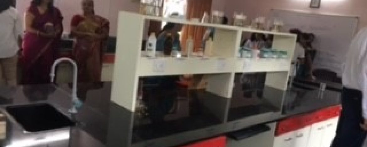 Donation-of-science-lab (4)
